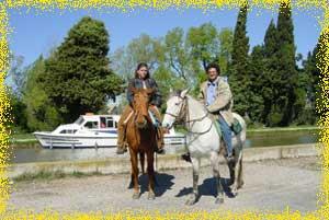 Balades a cheval en amoureux au bord du canal du midi