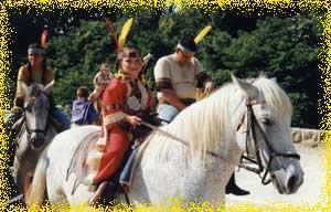 defile a cheval et poney pour enfants pour la benediction des chevaux a serignan le 16 aout (herault 34)