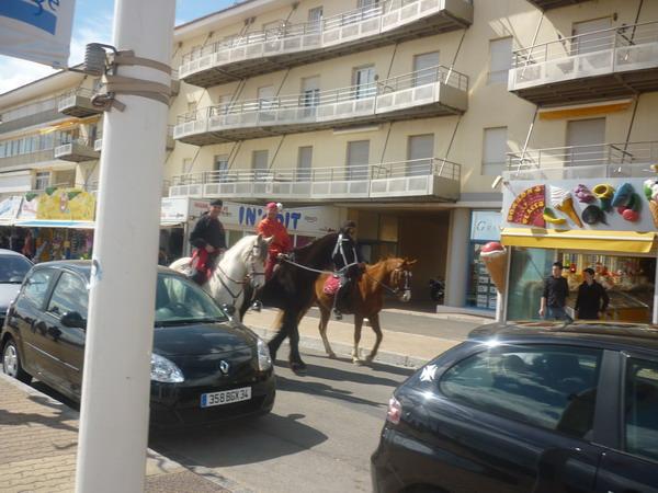 les chevaux du ranch le petit sam dans la ville de valras plage pendant le paradis des pitchous